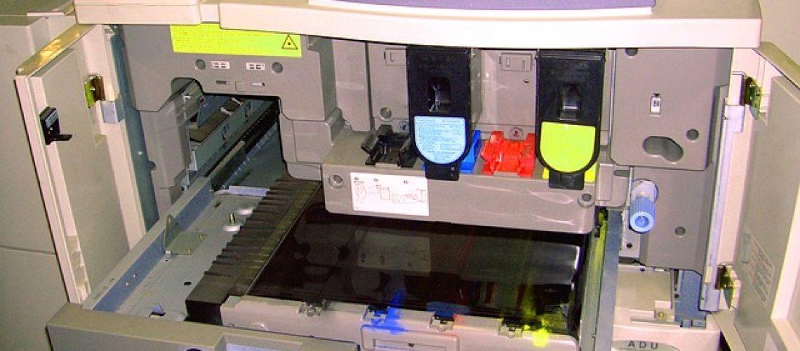 מדפסת טונר או דיו